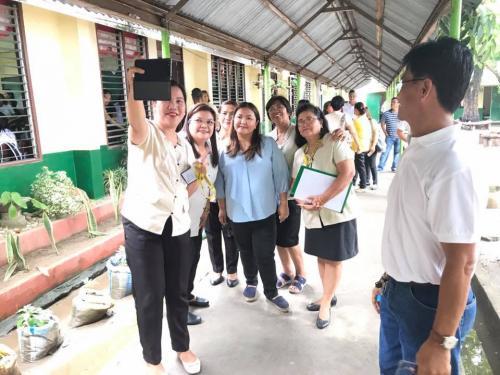 Mayor Mylyn Pineda-Cayabyab visits the San Roque Dau High School (3)